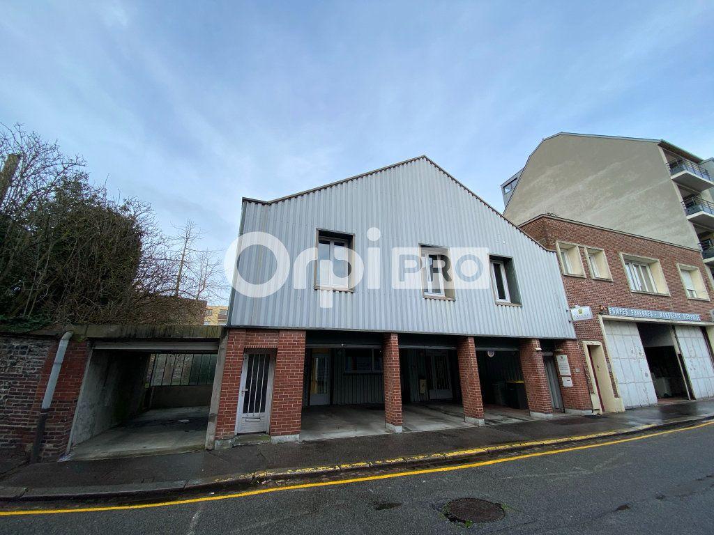 Bureau à vendre 400m2 à Dieppe