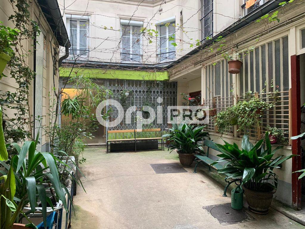 Bureau à vendre 113.7m2 à Paris 10