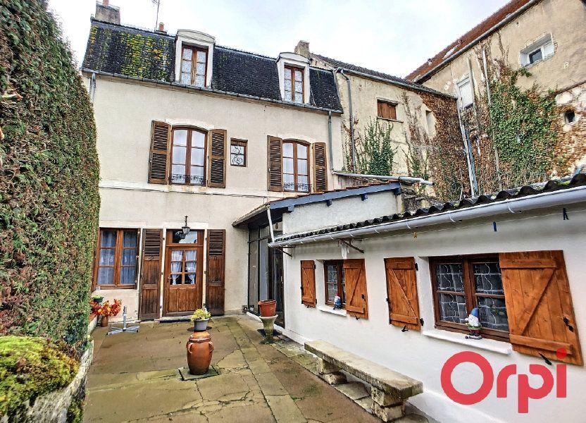 Maison à vendre 95.5m2 à Saint-Amand-Montrond