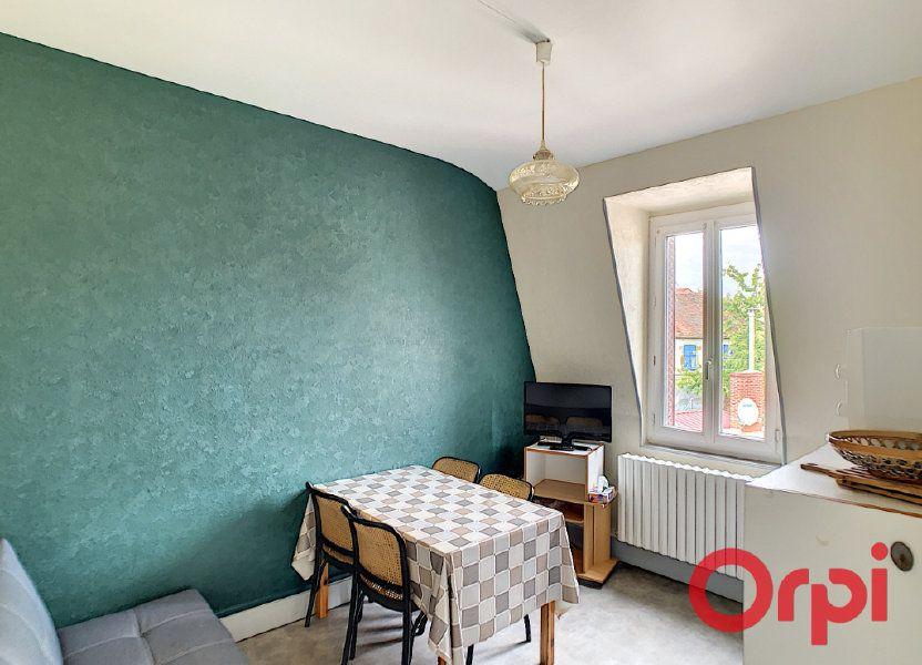 Immeuble à vendre 107.1m2 à Néris-les-Bains