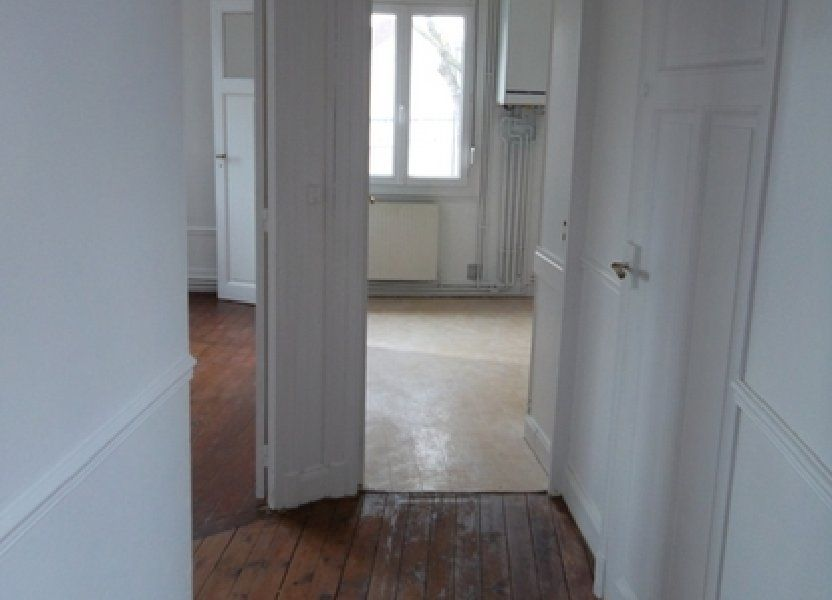 Appartement à louer 71m2 à Saint-Quentin