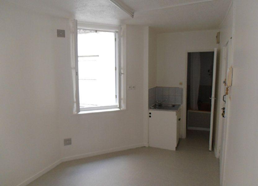 Appartement à louer 10.74m2 à Saint-Quentin
