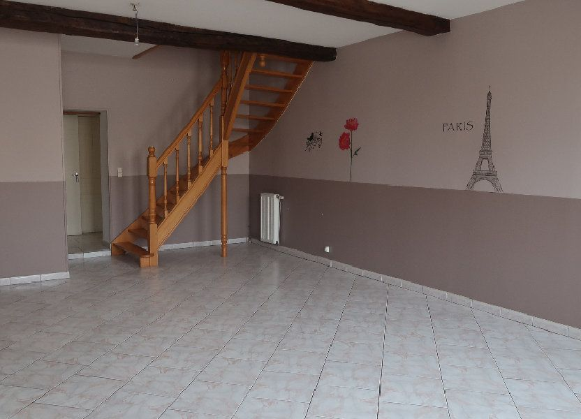Appartement à louer 121.1m2 à La Fère