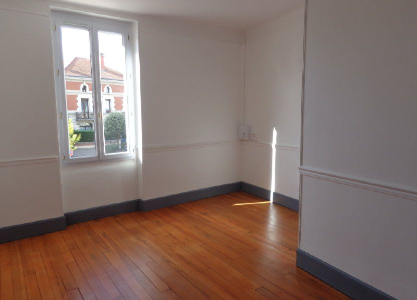 Appartement à louer 117m2 à Caussade