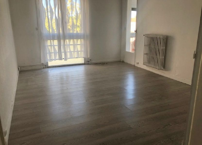 Appartement à louer 56.54m2 à Miramas