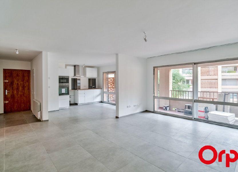 Appartement à louer 83.6m2 à Salon-de-Provence