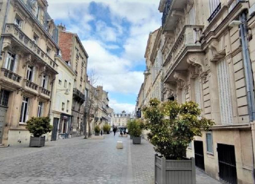 Stationnement à louer 55m2 à Reims