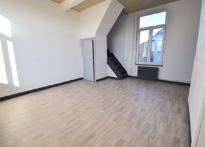 Appartement à louer 86m2 à Guînes