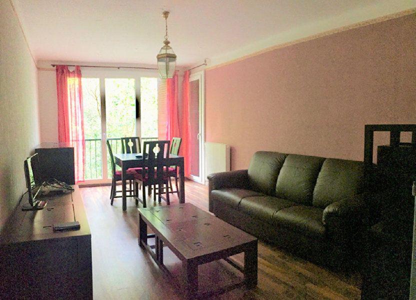 Appartement à louer 61.9m2 à Aix-en-Provence