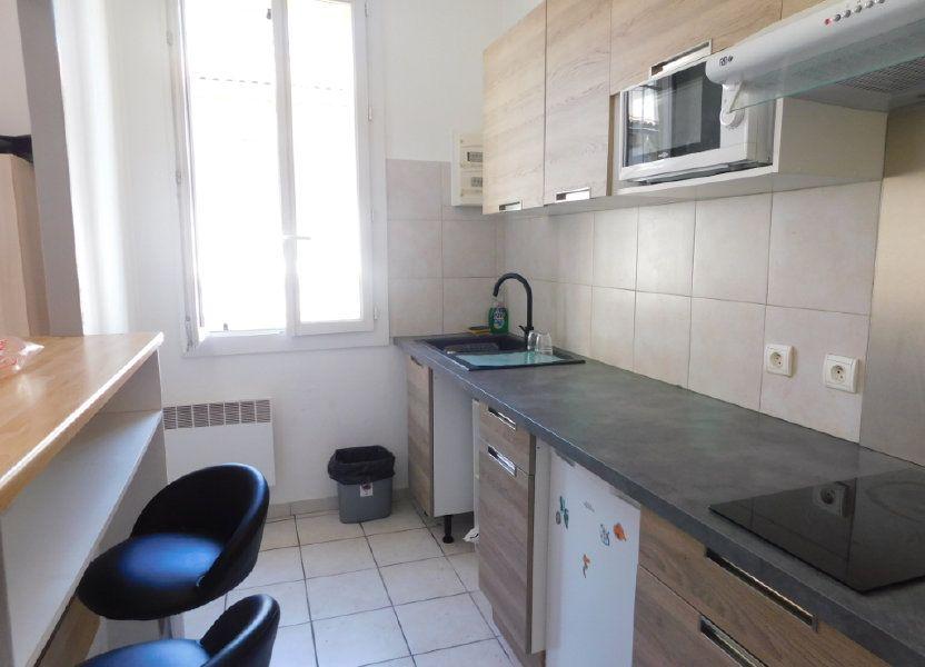 Appartement à louer 21m2 à Marseille 8