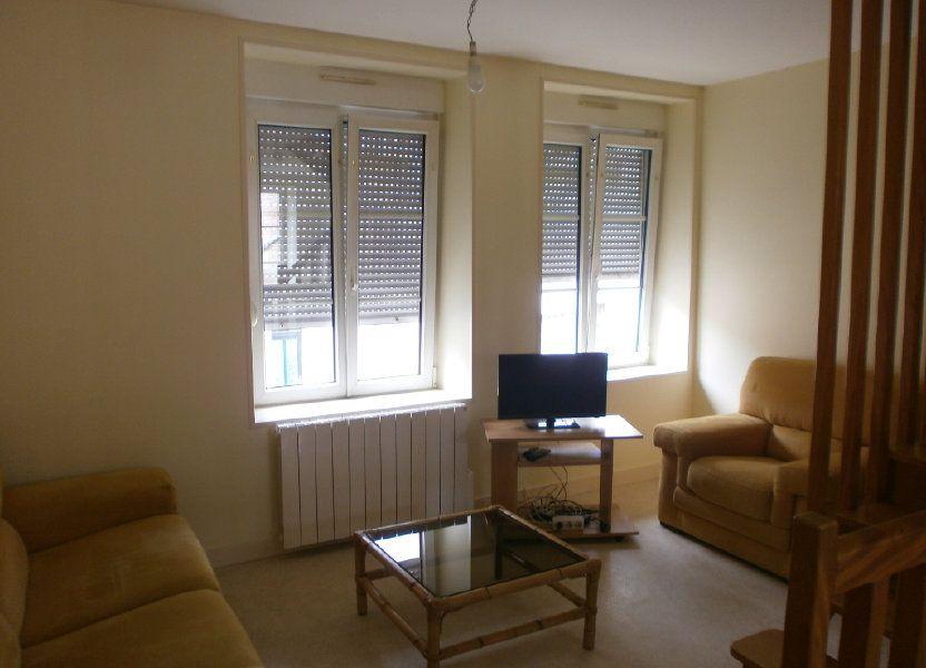Appartement à louer 30m2 à Saint-Genès-Champanelle