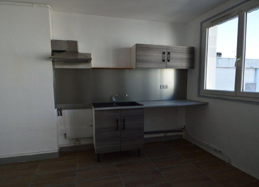 Appartement à louer 50m2 à Notre-Dame-de-Sanilhac
