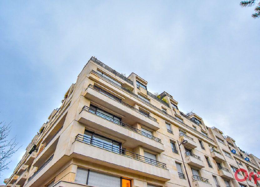 Appartement à louer 25m2 à Paris 15