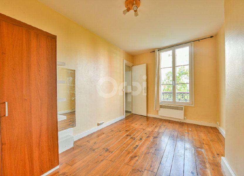 Appartement à louer 18m2 à Paris 15