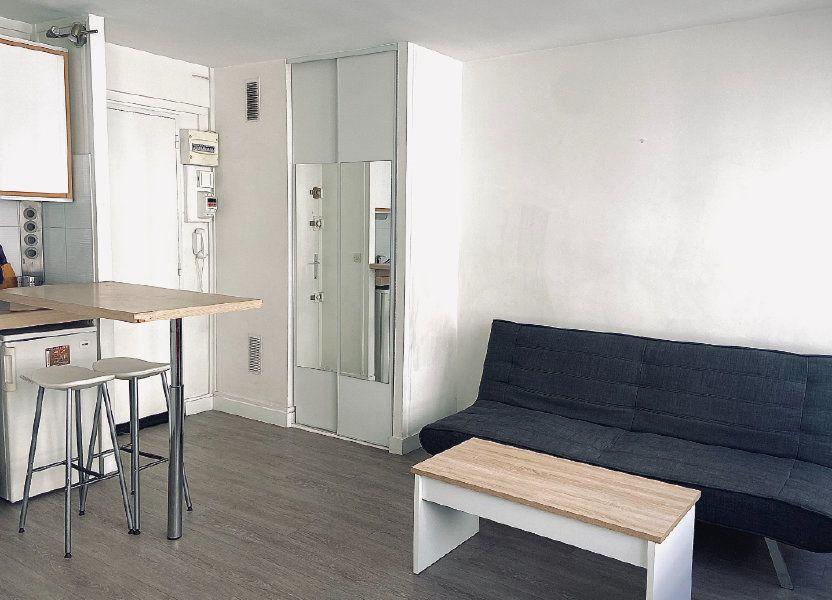 Appartement à louer 26m2 à Paris 15