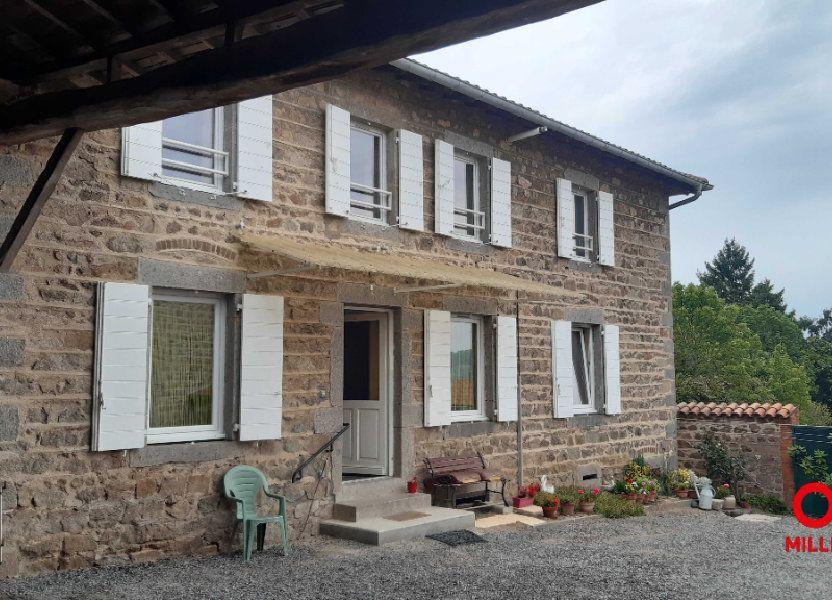 Appartement à louer 65m2 à Saint-Laurent-de-Chamousset
