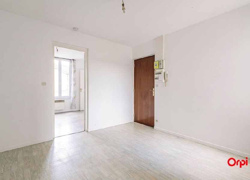 Appartement à louer 32.06m2 à Épernay