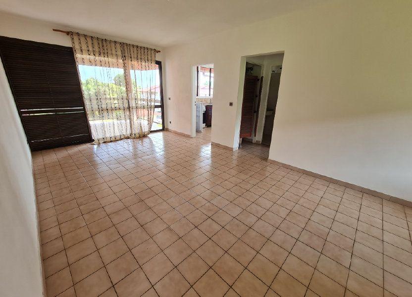 Appartement à louer 48.44m2 à Cayenne