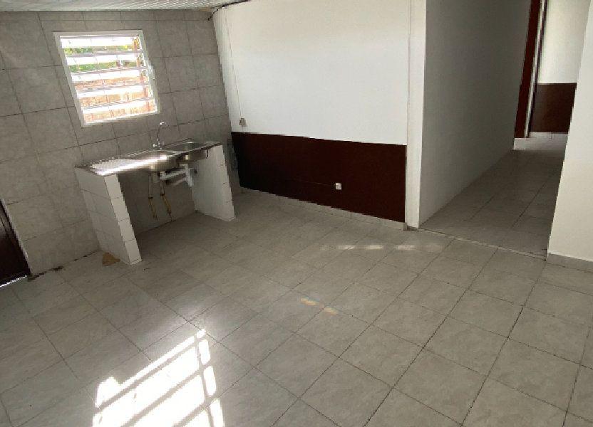 Appartement à louer 55.5m2 à Cayenne