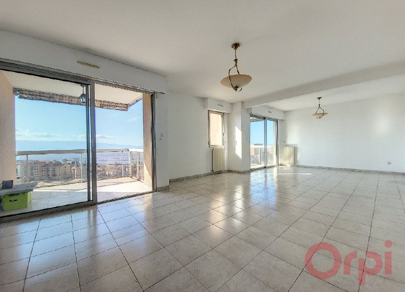 Appartement à louer 86m2 à Ajaccio