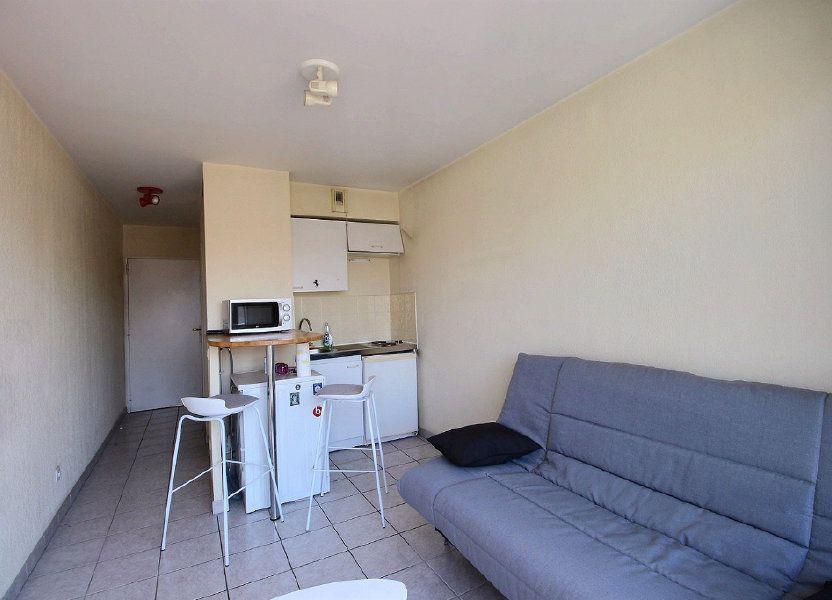 Appartement à louer 18m2 à Marseille 5