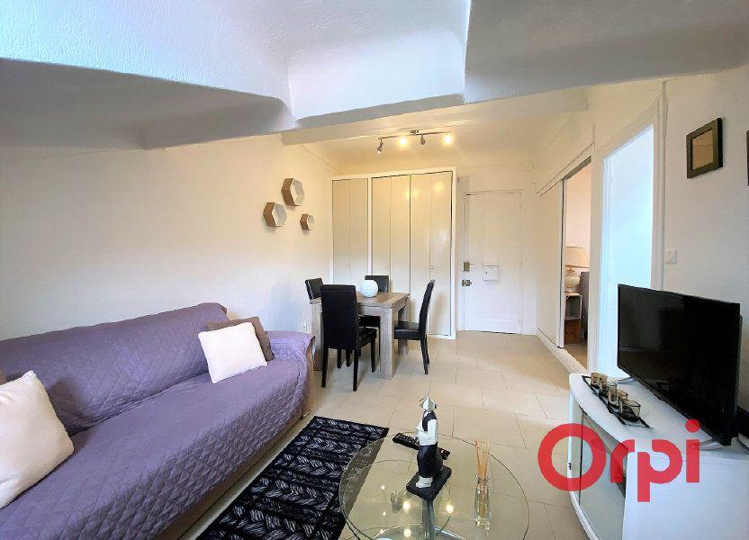 Appartement à louer 29.8m2 à Menton