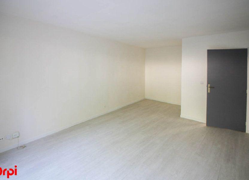 Appartement à louer 63.92m2 à Cergy