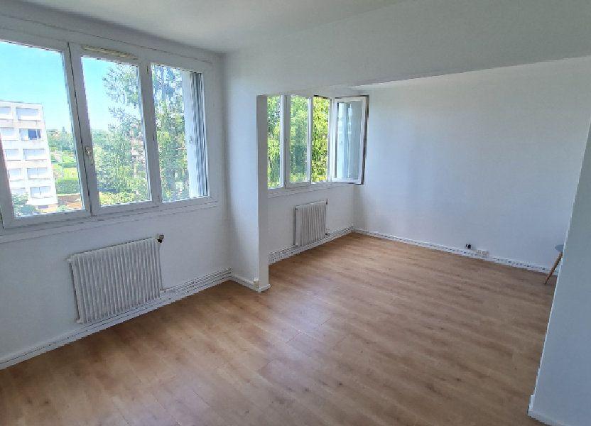 Appartement à louer 63.59m2 à Décines-Charpieu