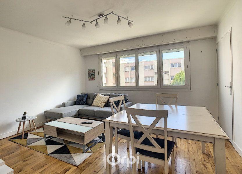 Appartement à louer 68.42m2 à Lorient