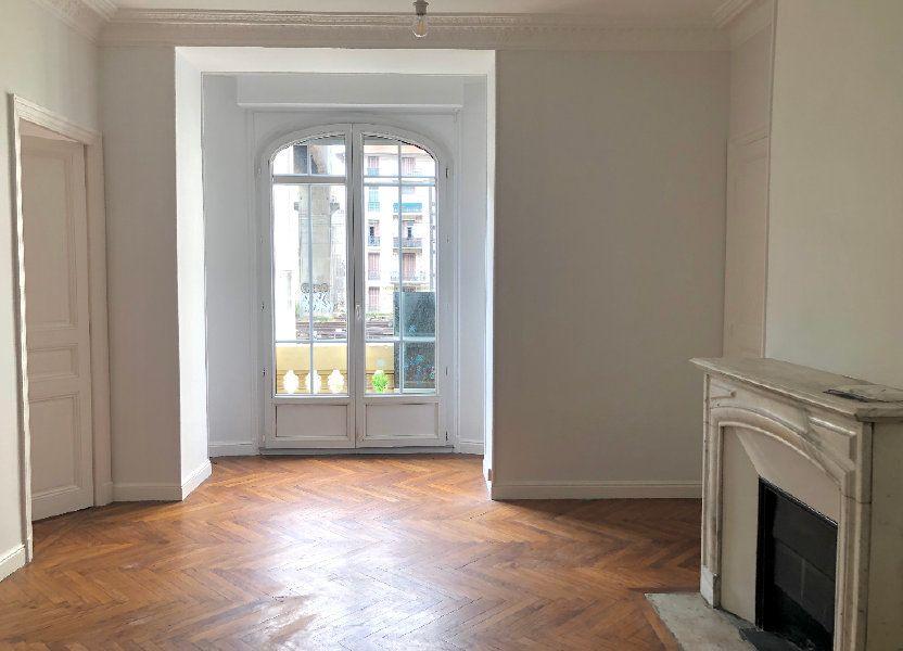 Appartement à louer 64.61m2 à Nice