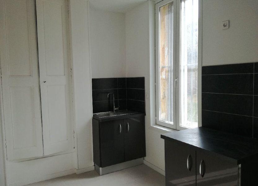 Appartement à louer 33m2 à Remoulins