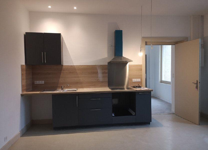 Appartement à louer 97m2 à Vers-Pont-du-Gard