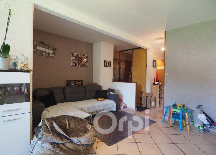 Appartement à louer 78.21m2 à La Roche-sur-Foron