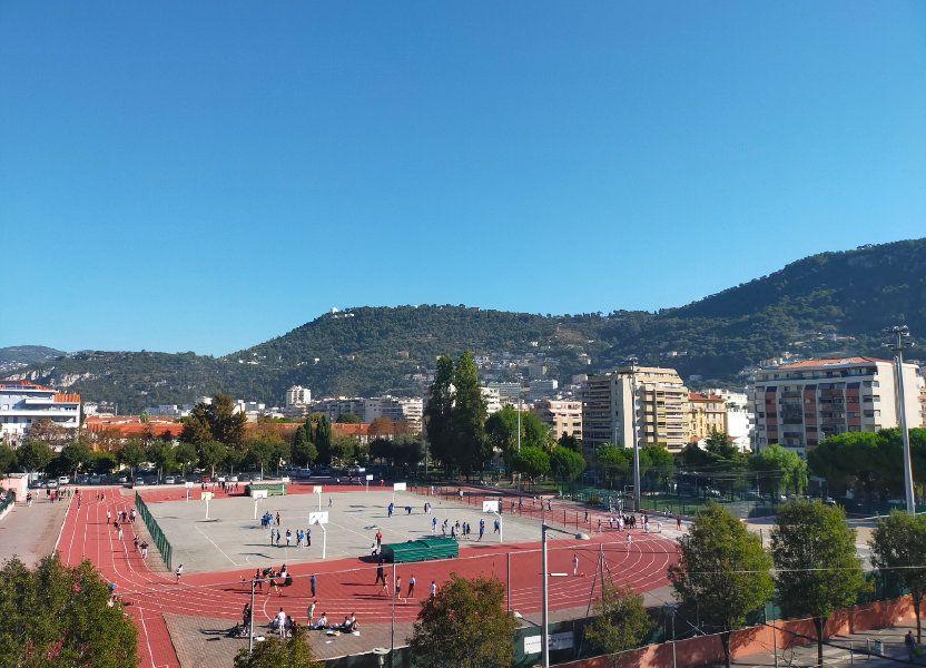 Appartement à louer 57.6m2 à Nice