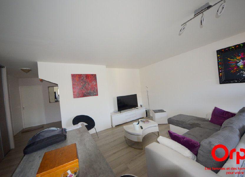 Appartement à louer 98.92m2 à Saint-Pierre-du-Perray