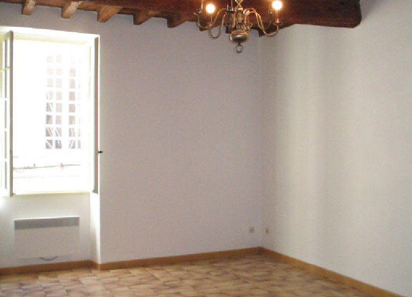 Appartement à louer 66m2 à Arles