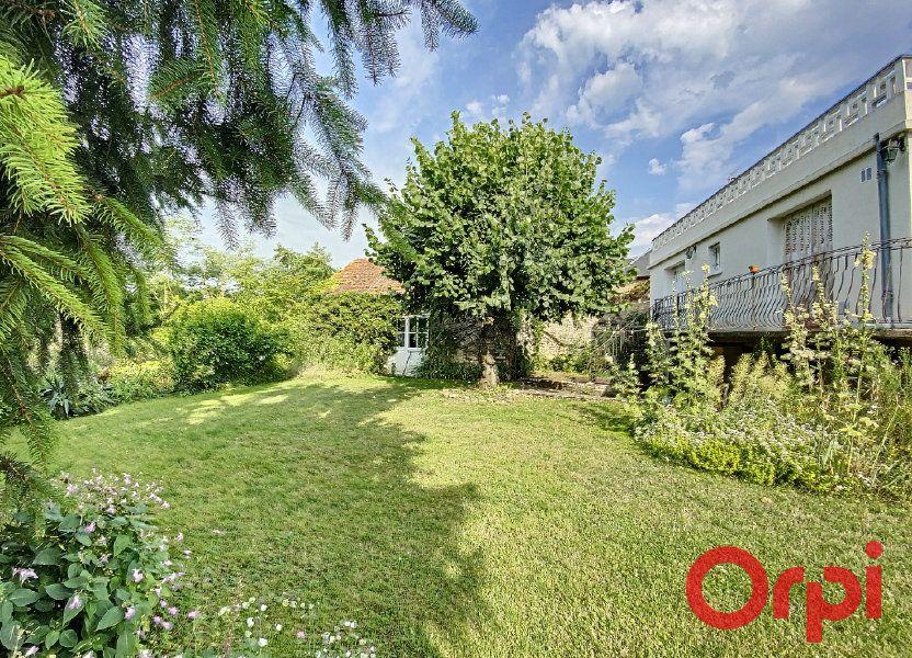 Maison à vendre 157m2 à Saint-Amand-Montrond