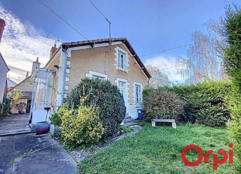 Maison à vendre 96.4m2 à Saint-Amand-Montrond