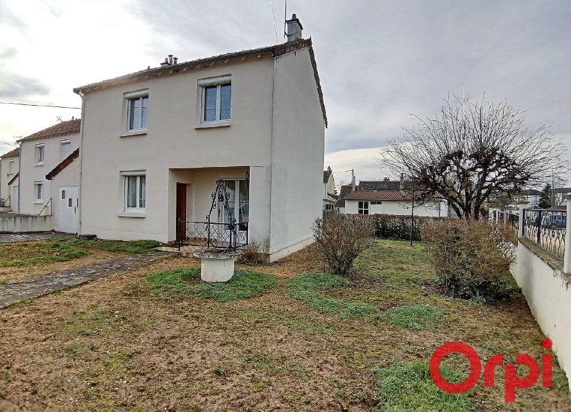 Maison à vendre 77m2 à Saint-Amand-Montrond