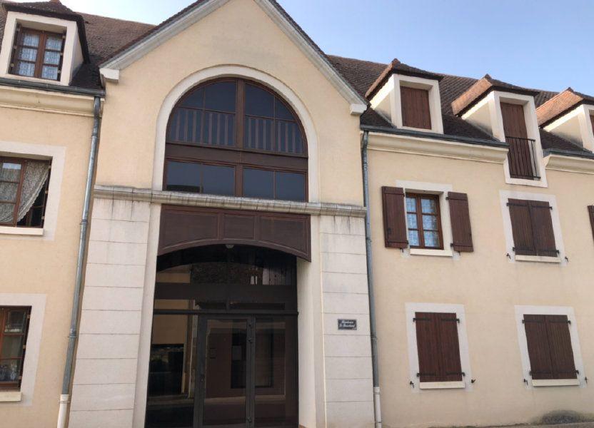 Appartement à vendre 76.02m2 à Saint-Amand-Montrond