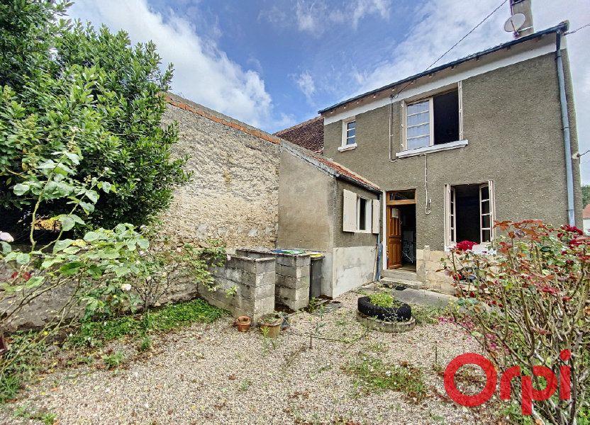 Maison à vendre 75m2 à Ainay-le-Vieil