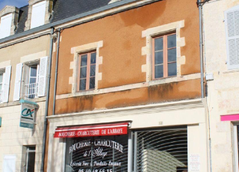 Immeuble à vendre 444m2 à Saint-Savin