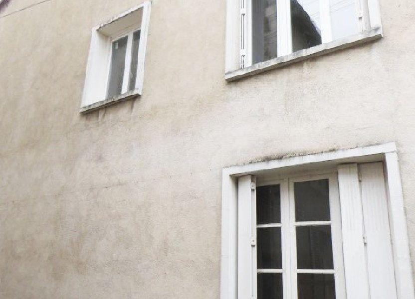 Maison à vendre 100m2 à Lussac-les-Châteaux