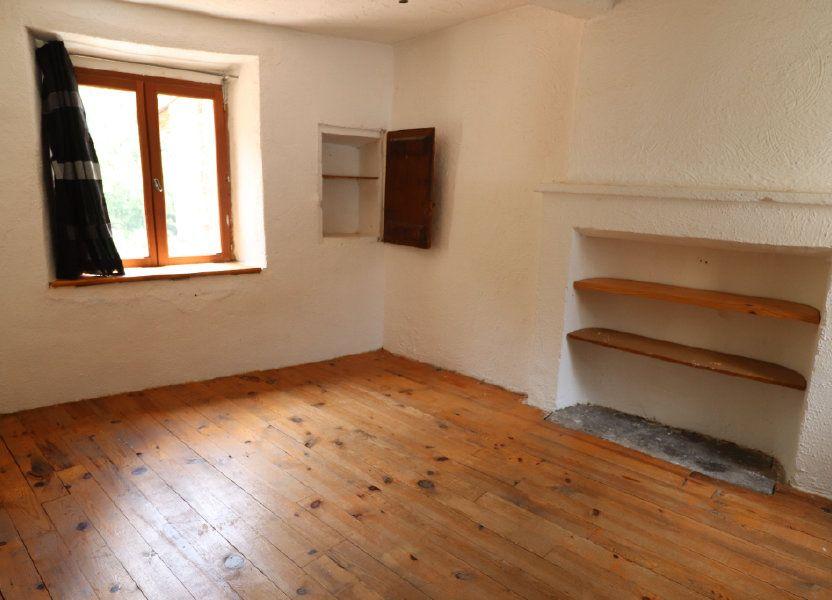 Appartement à louer 83m2 à Lucéram