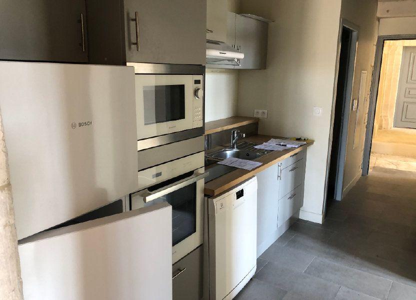 Appartement à louer 78m2 à Lussan