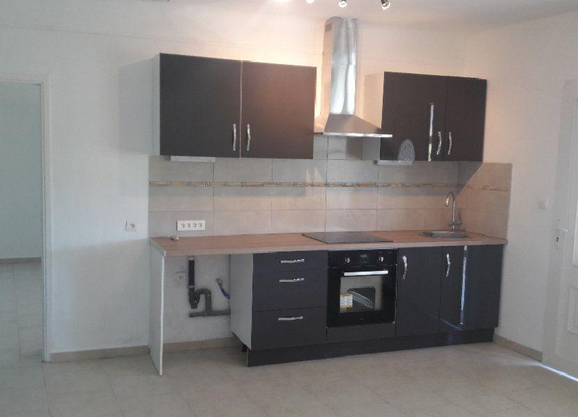 Appartement à louer 75.09m2 à Saint-Brès