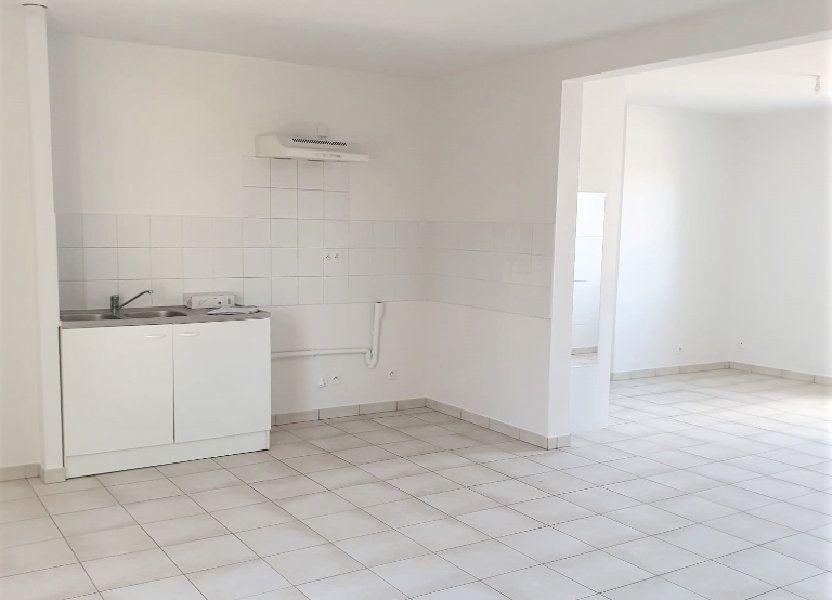 Appartement à louer 65.45m2 à Questembert