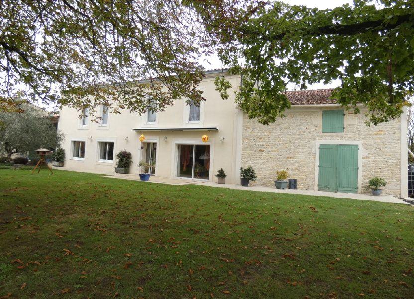 Maison à vendre 206m2 à Prissé-la-Charrière