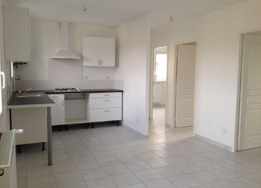 Appartement à louer 64m2 à Pont-de-Chéruy