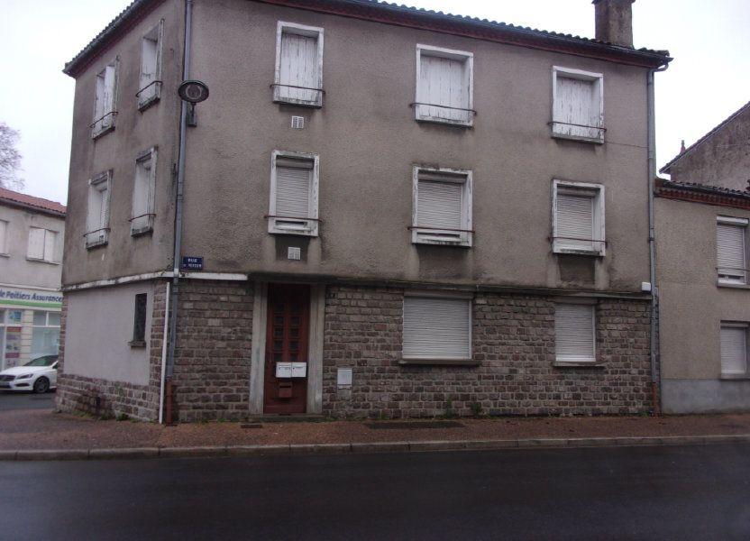Appartement à louer 65m2 à Chabanais